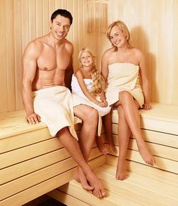 Отдых с семьей в сауне